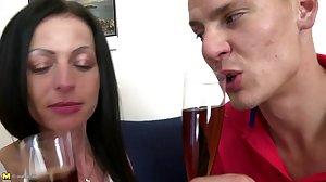 Mature skinny mom suck and fuck lucky boy